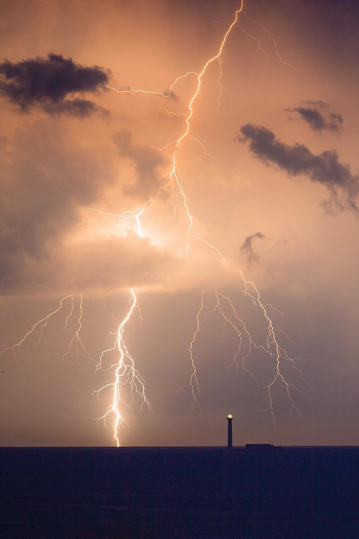 How To Photograph Lightning - Digital